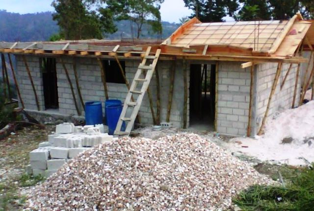 unfinished-construction-womens-center-bainet-haiti